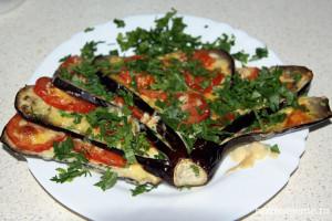 Закуска из баклажанов и помидоров под интригующим названием «Павлиний хвост»